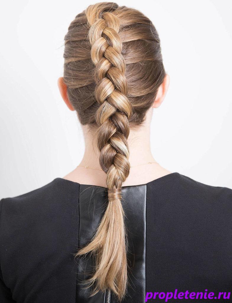 Традиционная короткая коса.